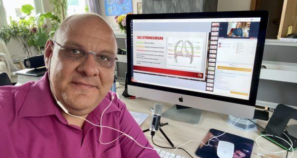 Onlineschulungen Für Den SAEK, Carsten Riedel Beim Onlinetraining